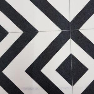 פי וי סי וינטאג' מעויינים שחור לבן